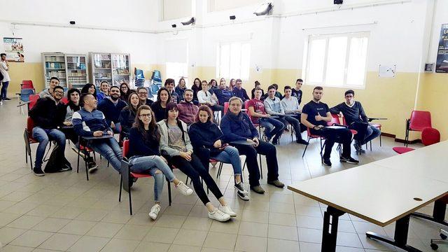IIS, importante appuntamento per gli studenti del corso di Afm
