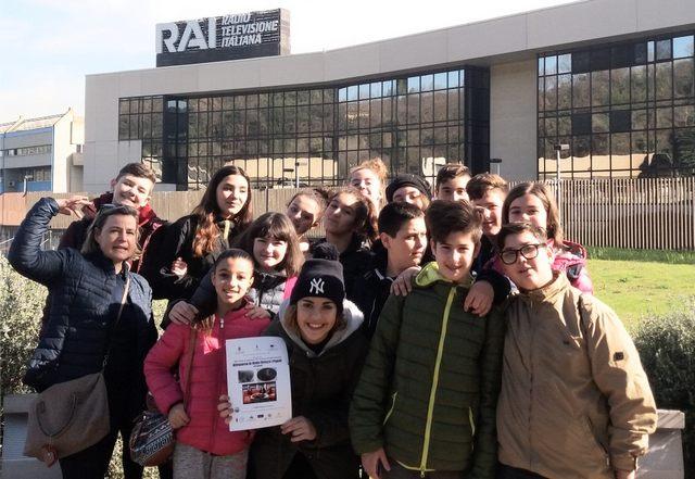Studenti della media Giosuè Carducci in visita alla Rai