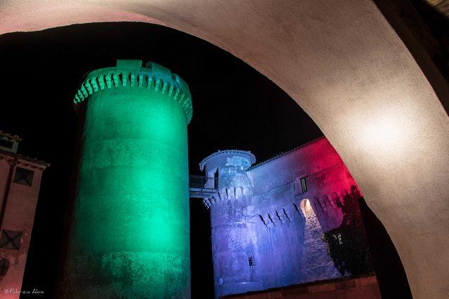 Luci sul castello di Santa Severa (foto Fabrizio Aloisi)