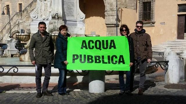 Campagna di sensibilizzazione del Movimento Cinque stelle per «l'acqua pubblica»