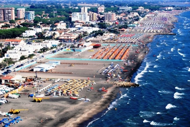 Anche quest'anno a Tarquinia una spiaggia riservata ai cani