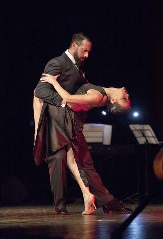 Montalto, il tango argentino al teatro Lea Padovani