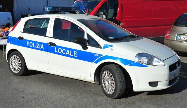 Sanzionate cinque frutterie dalla Polizia locale
