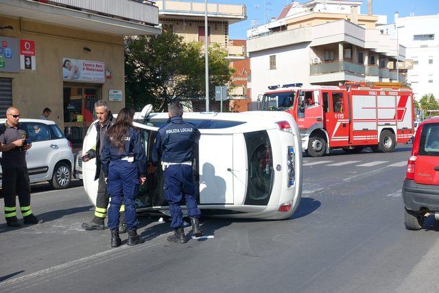 Incidente con cappottamento: grosso spavento sulla Mediana