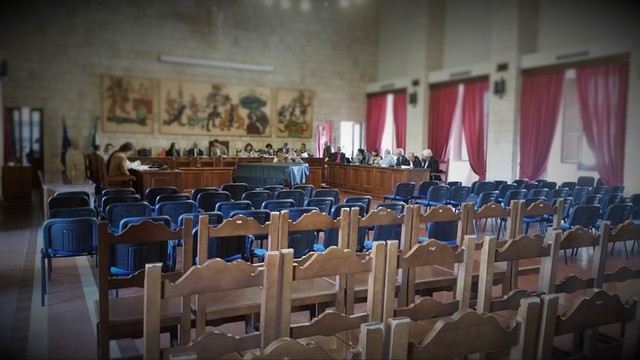 Il M5S di Tarquinia raccoglie firme per i consigli comunali serali
