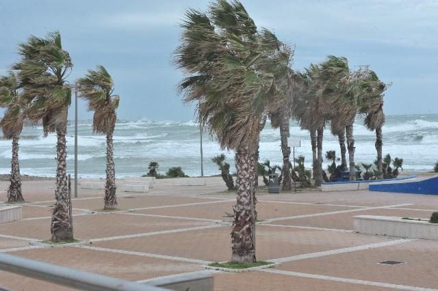 Venti di burrasca: è allerta sul litorale