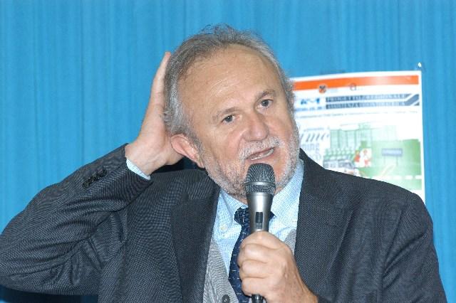 Delibera sui chioschi: avviso di garanzia per Esterino Montino