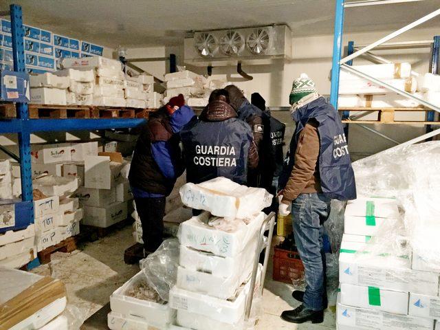 Fiumicino: sequestrati 1025 kg di pesce non tracciabile