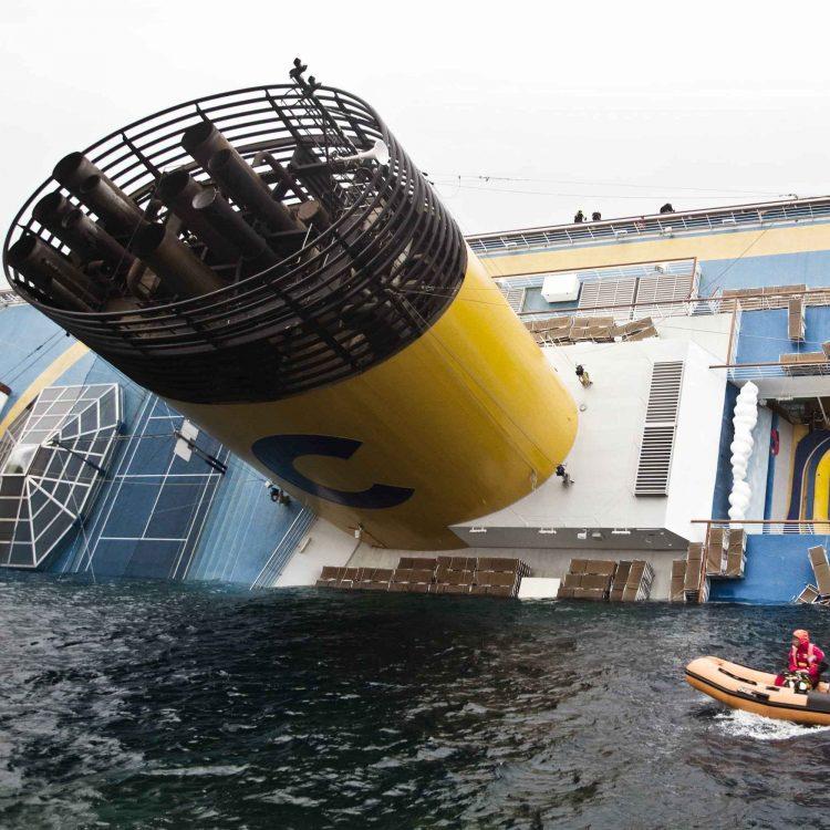 """Tidei: """"la Concordia deve essere  demolita qui"""""""