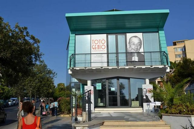 ''Totò Genio'', una targa in memoria  dell'artista napoletano
