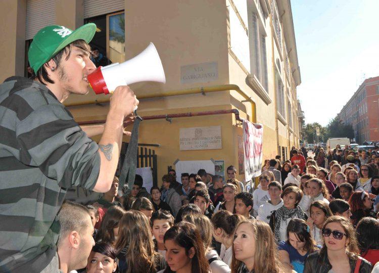 Scuola, scoppia la protesta anche a Civitavecchia