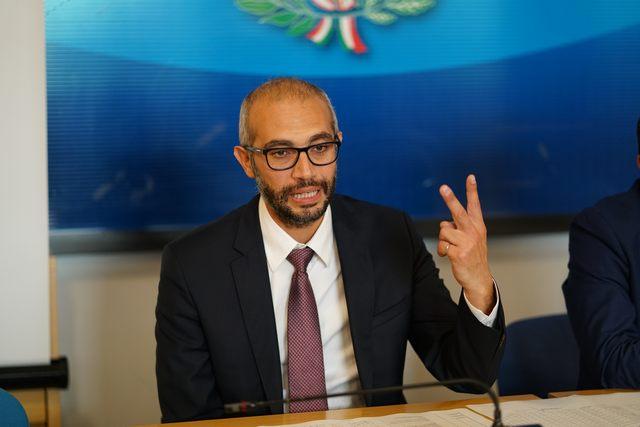 """Questione Tarallo, Cozzolino: """"Bellanova riconvochi il tavolo"""""""