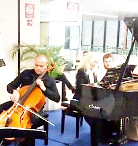 ''Ciak si vola'' la magia della musica in aeroporto