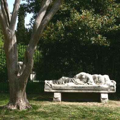 Ritrovato il busto in marmo rubato a Villa Aldobrandini a Roma