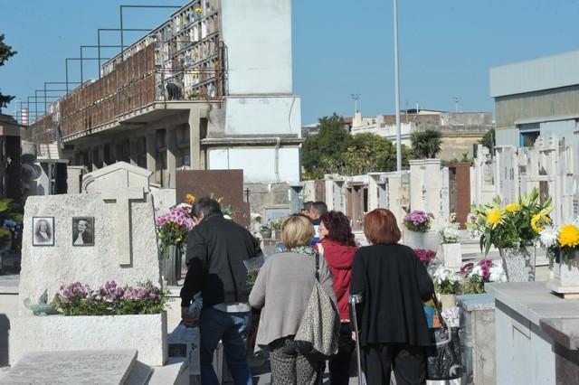 Grande affluenza nei cimiteri