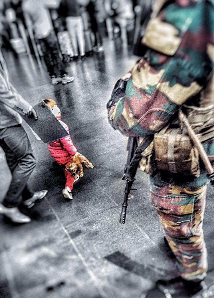 La bambina e il soldato