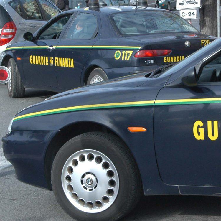 Nascondeva coca nel reggiseno: arrestata a Fiumicino