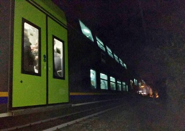 Muore ragazza investita dal treno