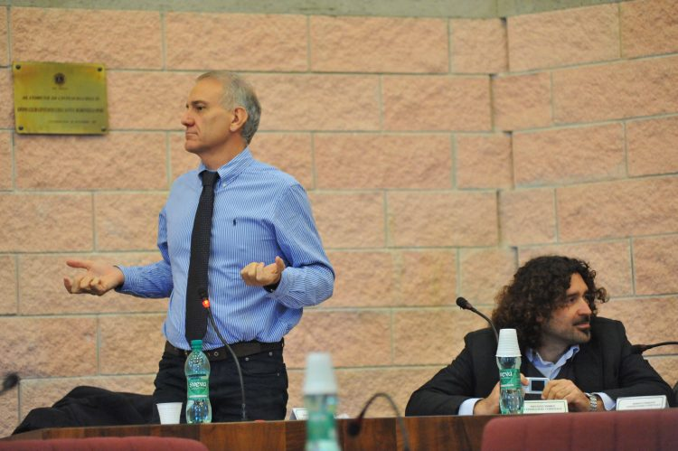 Guerrini: «Inaudito votare in un'unica sede»