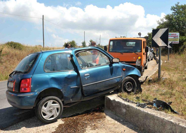 Incidente sulla Braccianese, morta una delle due sorelle