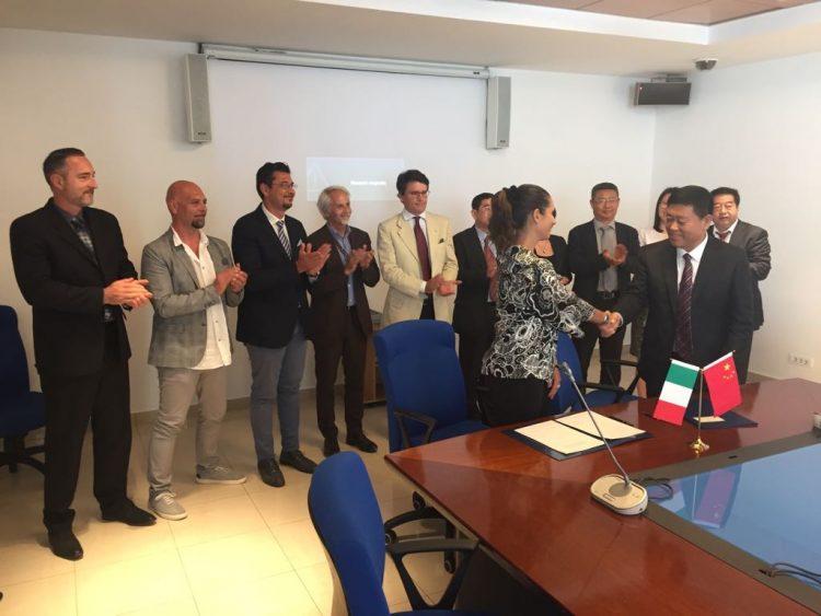Delegazione cinese in visita al porto