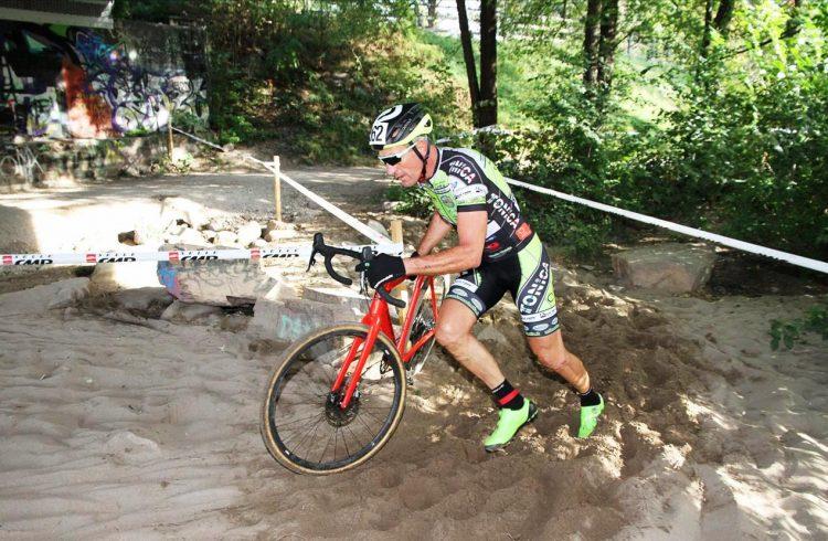 Mtb Santa Marinella, Gianfranco Mariuzzo centra la prima vittoria nel ciclocross
