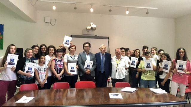 Scuola media Carducci, presentato il libro su Marconi dei ragazzi della 3A