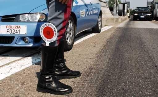 Verifiche delle Polstrada contro le ''stragi del sabato sera''
