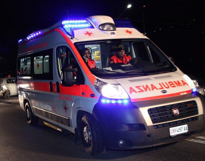 Falciato da un furgone: muore giovane senegalese