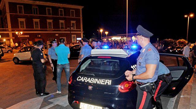 Sfreccia in auto dal viale a San Gordiano: nei guai un diciannovenne