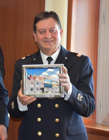 Porto Civitavecchia, va in pensione il primo nostromo luogotenente Valerio Olivetti