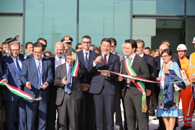 Philip Morris, Renzi inaugura stabilimento di Valsamoggia