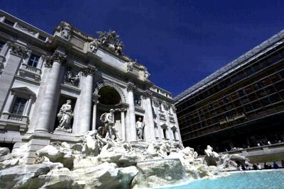 Roma, Raggi firma l'ordinanza 'salva fontane'