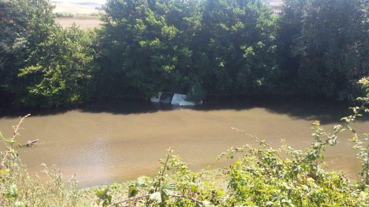 Tarquinia, rinvenuta auto nel fiume Marta