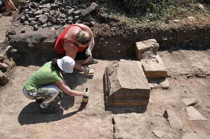 Castrum novum, la soprintendente in visita agli scavi