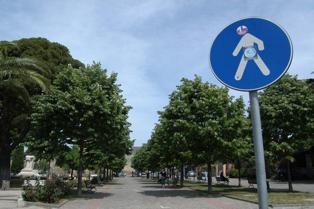 ''Parcheggi in centro: nè liberi nè a pagamento''