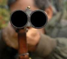 Ladispoli: litiga con il ristoratore ed estrae il fucile