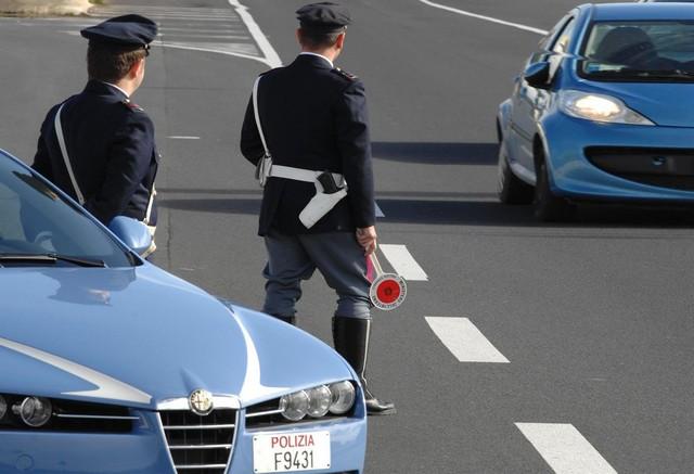 Natale, super lavoro della Polizia stradale