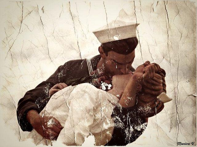 La statua del bacio (foto Monica Volpi)