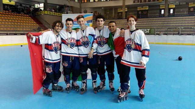 La Cv Skating esulta con Luca Tranquilli