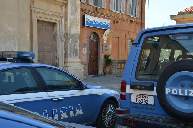 Manganello di ferro sotto il sedile: denunciato tunisino