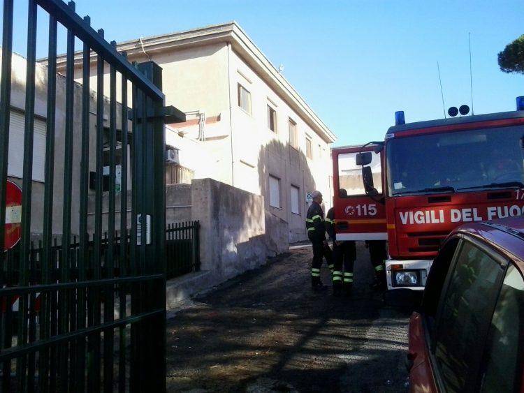 Un'altra scuola in fiamme