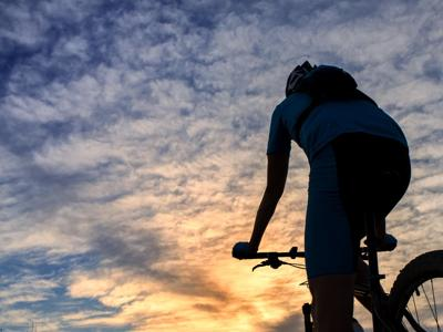 Meno bici, più e-bike, è boom nel 2016