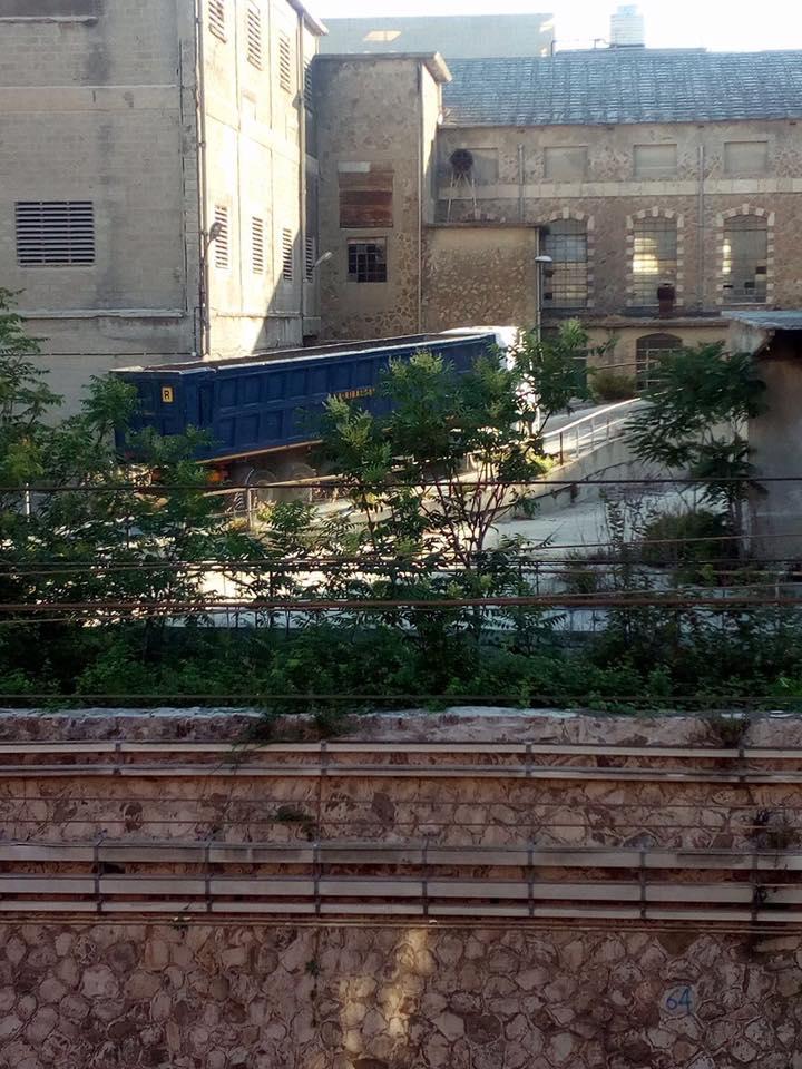 Camion nello stabilimento ex Italcementi: il Sindaco chiede chiarimenti