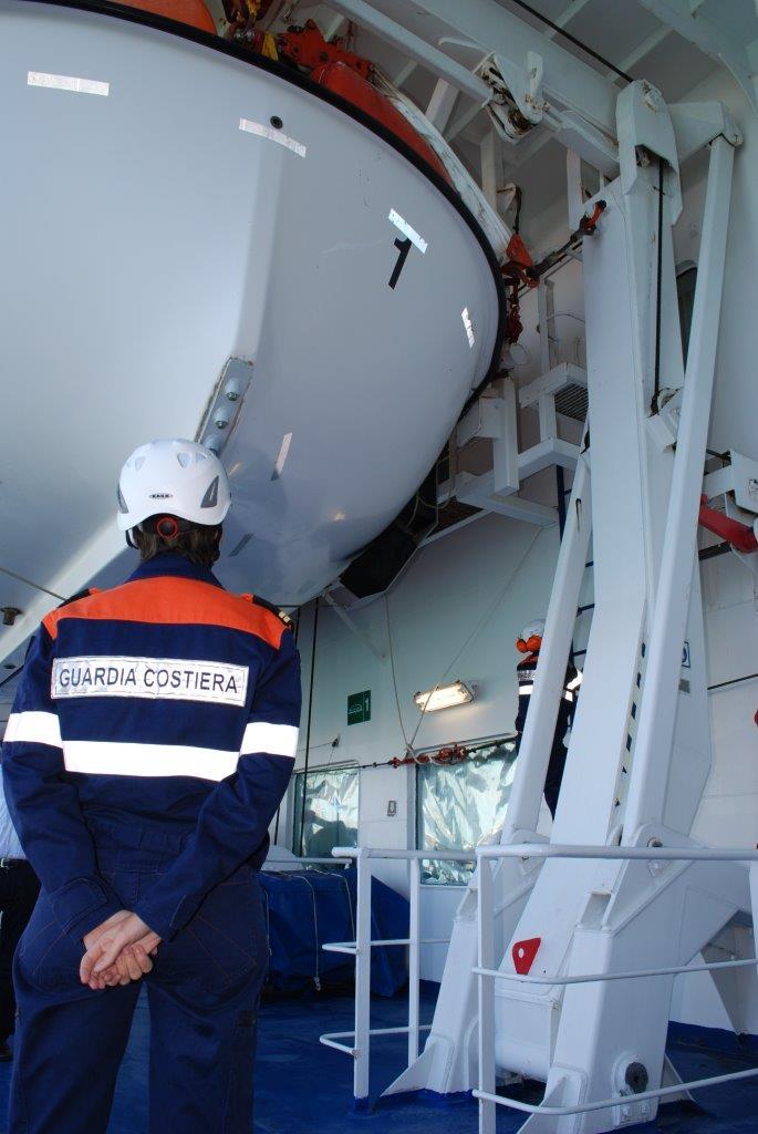 Troppo zolfo nel carburante: due navi sanzionate