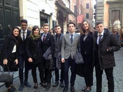 """""""I giovani ricordano la Shoah"""": menzione d'onore per la IV B del Marconi"""