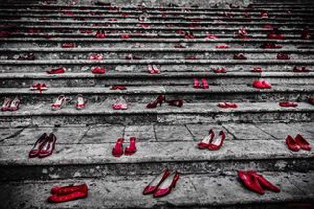 Tarquinia, giornata internazionale contro la violenza sulle donne: oggi convegno, corteo e flash mob