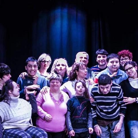 La compagnia ''Quintessenza''  sul palco del teatro Claudio