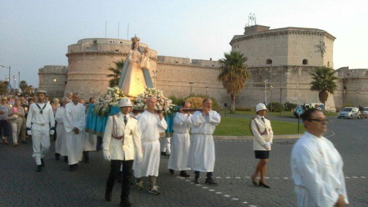 Partecipata processione per la Madonna delle Grazie
