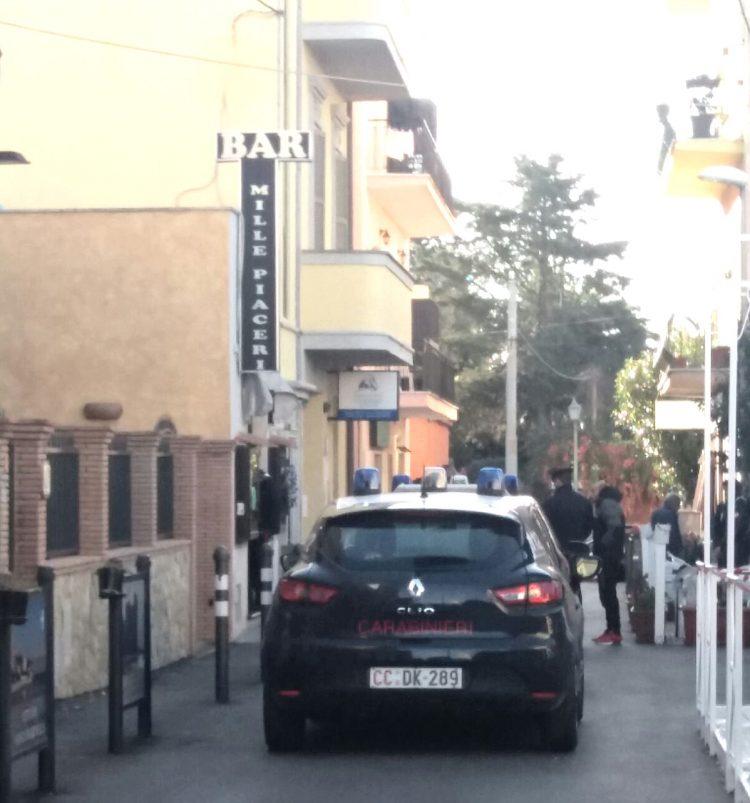 Santa Marinella, ladri in azione in un bar del centro